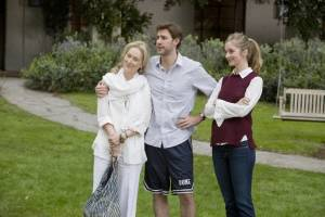 It's Complicated: Caitlin Fitzgerald (Lauren), John Krasinski (Harley) en Meryl Streep (Jane)