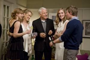 It's Complicated: Caitlin Fitzgerald (Lauren), Zoe Kazan (Gabby Adler), Steve Martin (Adam) en Meryl Streep (Jane)