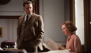 J. Edgar: Leonardo DiCaprio (J. Edgar Hoover) en Naomi Watts (Helen Gandy)