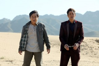 Jackie Chan en Johnny Knoxville in Skiptrace