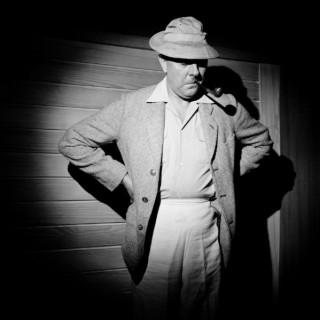 Jacques Tati in Les Vacances de Monsieur Hulot