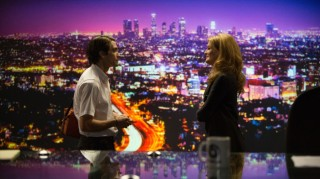 Jake Gyllenhaal en Rene Russo in Nightcrawler