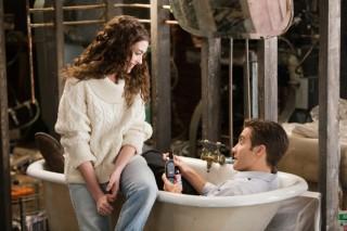 Jake Gyllenhaal en Anne Hathaway in Love and Other Drugs