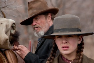 Jeff Bridges en Hailee Steinfeld in True Grit