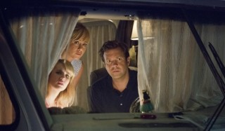 Jennifer Aniston, Emma Roberts en Jason Sudeikis in We're the Millers