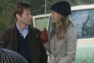 Jennifer Aniston en Aaron Eckhart in Love Happens