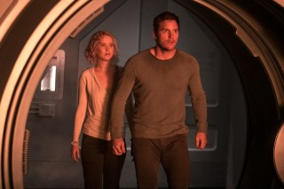 Jennifer Lawrence en Chris Pratt in Passengers