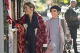 Jennifer Lopez en Vanessa Hudgens in Second Act