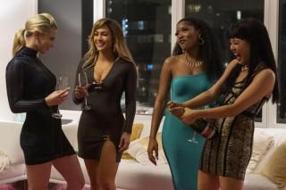 Lili Reinhart, Jennifer Lopez, Keke Palmer en Constance Wu in Hustlers
