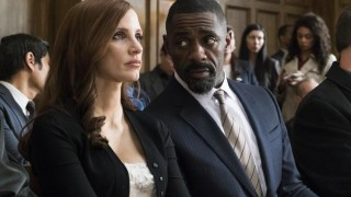 Jessica Chastain en Idris Elba in Molly's Game