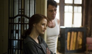 Jessica Chastain en Ciarán Hinds in The Debt