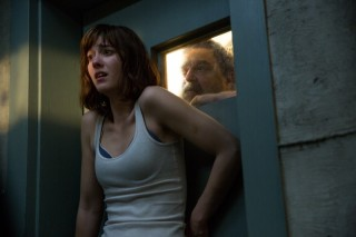 Mary Elizabeth Winstead en John Goodman in 10 Cloverfield Lane