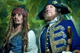 Johnny Depp en Geoffrey Rush in Pirates of the Caribbean: On Stranger Tides