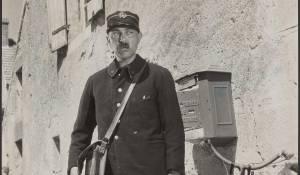 Jacques Tati (François, the postman)