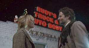 Jennifer Lawrence (Joy) en Bradley Cooper