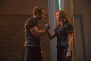Jude Law en Brie Larson in Captain Marvel