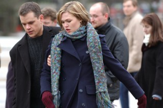 Matt Damon en Julia Stiles in The Bourne Supremacy