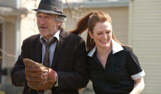 Robert De Niro en Julianne Moore in Being Flynn