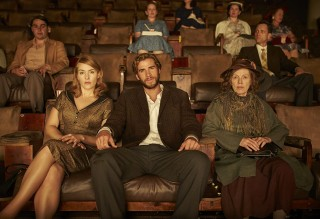 Kate Winslet, Liam Hemsworth en Judy Davis in The Dressmaker