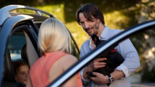 Ignacia Allamand en Keanu Reeves in Knock Knock