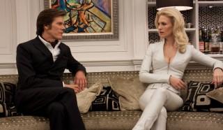 Kevin Bacon en January Jones (I) in X-Men: First Class