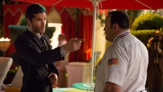 Kevin James en Eduardo Verástegui in Paul Blart: Mall Cop 2