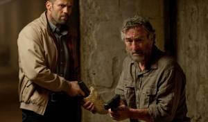 Killer Elite: Jason Statham (Danny Bryce) en Robert De Niro (Hunter)