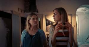 Kleine IJstijd: Anniek Pheifer (Sallie) en Hannah Hoekstra (Delphina)