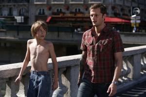 La blonde aux seins nus: Nicolas Duvauchelle (Julien) en Steve Le Roi (Louis)