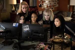 Ladies Night: Ocean's 8: Sandra Bullock (Debbie Ocean), Sarah Paulson (Tammy), Rihanna (Nine Ball), Cate Blanchett (Lou) en Awkwafina (Constance)