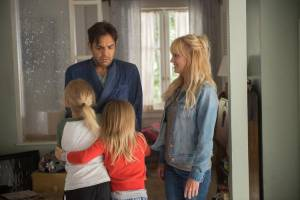 Ladies Night: Overboard: Eugenio Derbez (Leonardo) en Anna Faris (Kate)
