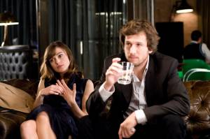 Keira Knightley (Joanna Reed) en Guillaume Canet (Alex Mann)