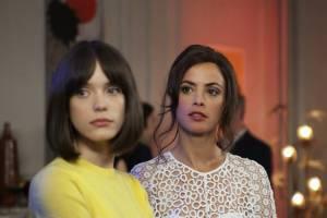 Le redoutable: Stacy Martin (Anne Wiazemsky) en Berenice Bejo (Michèle Rosier)