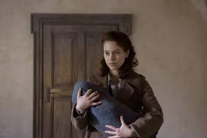Les innocentes: Lou de Laâge (Mathilde Beaulieu)