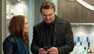 Julianne Moore en Liam Neeson in Non-Stop