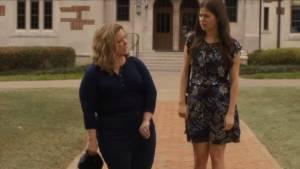 Life of the Party: Melissa McCarthy (Deanna) en Molly Gordon (Maddie)