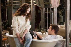 Love and Other Drugs: Jake Gyllenhaal (Jamie Randall) en Anne Hathaway (Maggie Murdock)