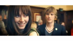 Love Is Thicker Than Water: Lydia Wilson (Vida) en Joe Flynn (Arthur)