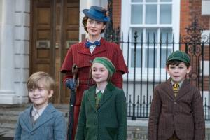 Mary Poppins Returns (NL): Emily Blunt (Mary Poppins), Joel Dawson (Georgie Banks), Pixie Davies (Anabel Banks) en Nathanael Saleh (John Banks)