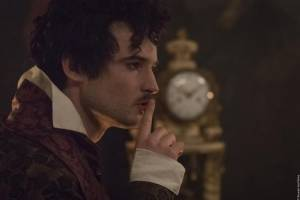 Mary Shelley: Tom Sturridge (Lord Byron)