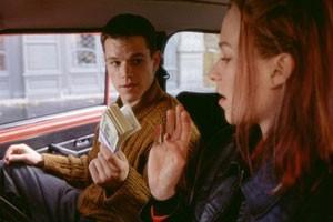 Matt Damon en Franka Potente in The Bourne Identity
