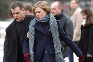 Matt Damon en Julia Stiles in The Bourne Supremacy