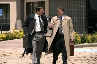 Scott Bakula en Matt Damon in The Informant!