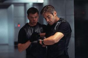 George Clooney en Matt Damon in Ocean's Eleven