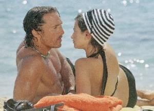 Matthew McConaughey and Penelope Cruz in 'Sahara'