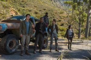 Maze Runner: The Death Cure 3D: Dylan O'Brien (Thomas), Giancarlo Esposito (Jorge), Dexter Darden (Frypan), Thomas Sangster (Newt) en Rosa Salazar (Brenda)