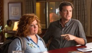Melissa McCarthy en Jason Bateman in Identity Thief