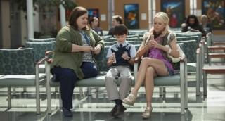 Melissa McCarthy, Jaeden Lieberher en Naomi Watts in St. Vincent
