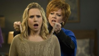 Kristen Bell en Melissa McCarthy in The Boss