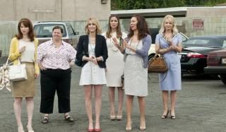 Rose Byrne, Melissa McCarthy, Maya Rudolph, Wendi McLendon-Covey, Kristen Wiig en Ellie Kemper in Bridesmaids